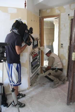 trabajador de Gahecor en el prei de Anerr en rodaje de tve
